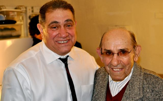 Dan Lauria & Yogi Berra (Photo: www.sulltography.com)